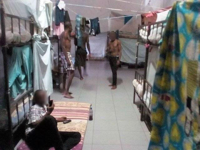 """Le centre de détention pour étrangers de """"Trinta"""", situé à l'est de Luanda, en Angola. Toutes les photos ont été envoyées par Éric (pseudonyme), notre Observateur."""