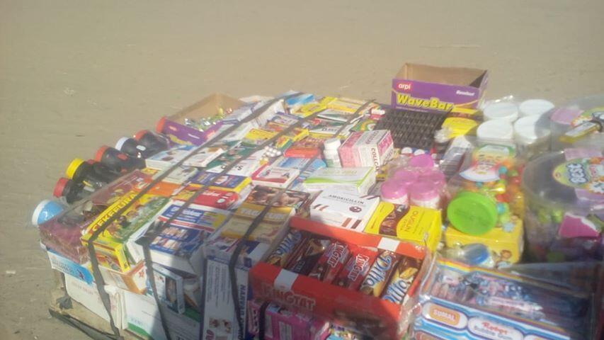 Vrais et faux médicaments vendus sur une charrette. Photo prise par notre Observateur dans la province de Tahoua.