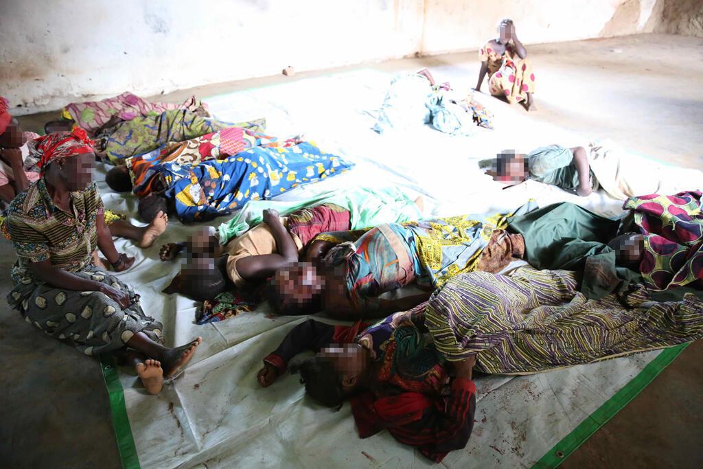 Des familles pleurent les dix-neuf victimes de l'attaque du 3 mai dernier à Eringeti / Photo Monusco.