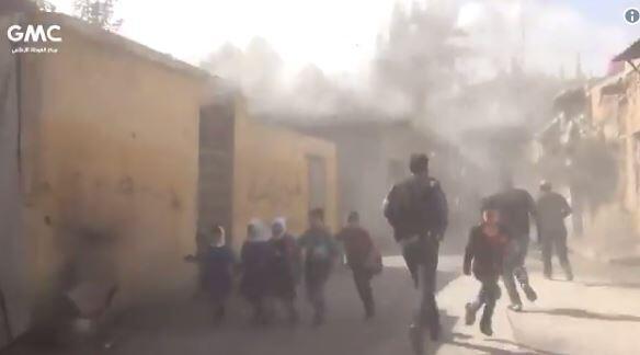 Panique après le bombardement d'une école dans la Ghouta le 1er novembre. Capture d'écran d'une vidéo postée sur Twitter.