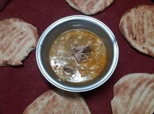 Un officier de l'armée afghane basé dans le sud du pays a envoyé cette photo à la rédaction des Observateurs de France 24, précisant que cette ration était prévue pour cinq personnes.