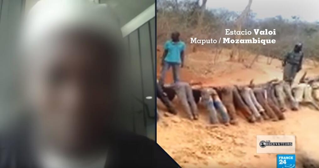 Vidéo d'une scène d'humiliation impliquant des policiers mozambicains. Selon nos Observateurs, cette scène se déroule dans la mine de rubis de Montepuez, dans le nord du pays. Capture d'écran.