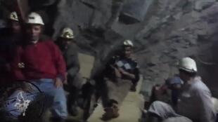 Les mineurs grévistes de Jbal Aouam. Capture d'écran d'une vidéo publiée sur YouTube.