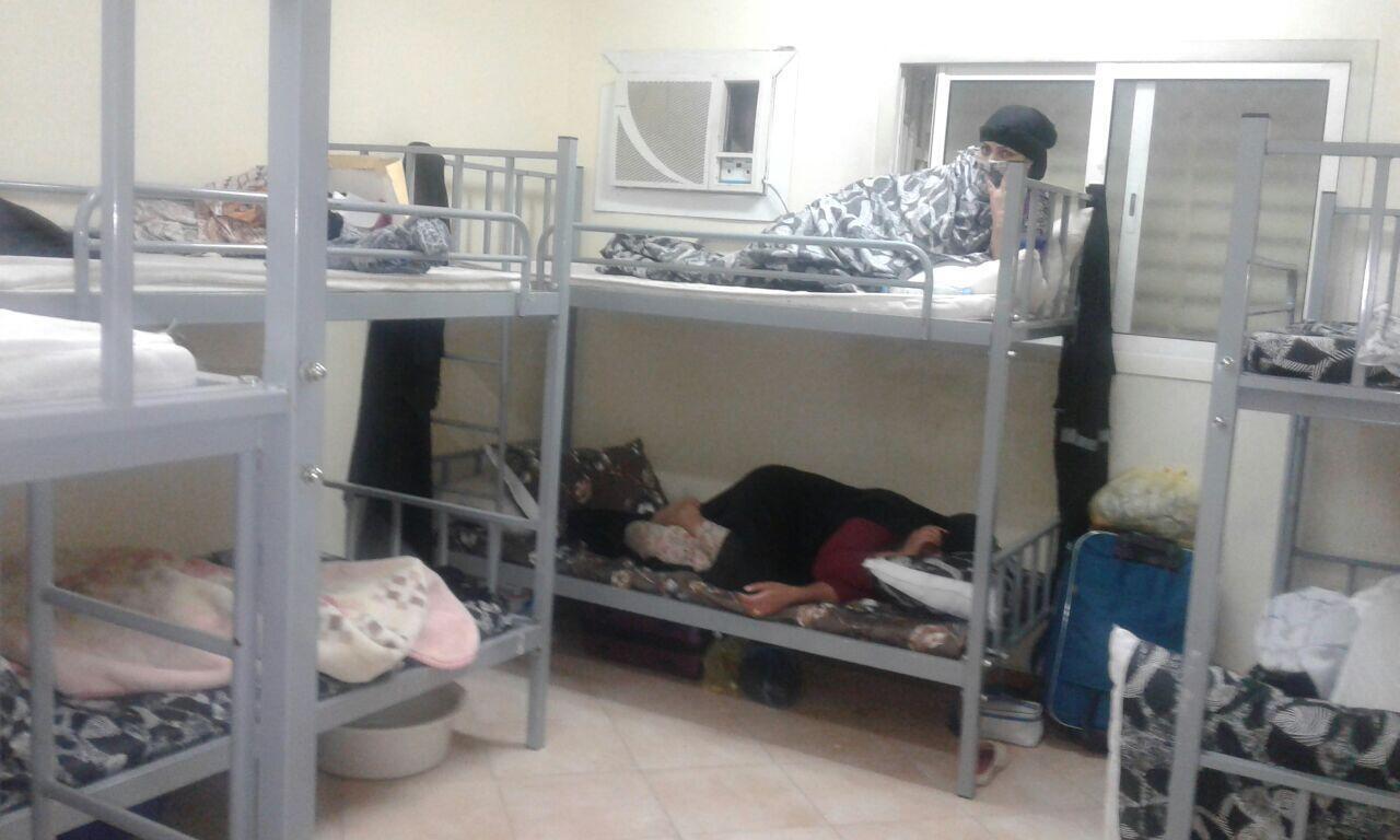 Dans les dortoirs, les femmes dorment jusquà douze, dans une promiscuité très pénible. Photo de notre Observatrice.