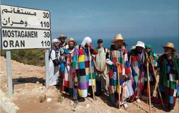 Photo de membres de la confrérie Karkariya prise le 22 août dans la région de Mostaganem, nord-ouest algérien. Source Facebook.