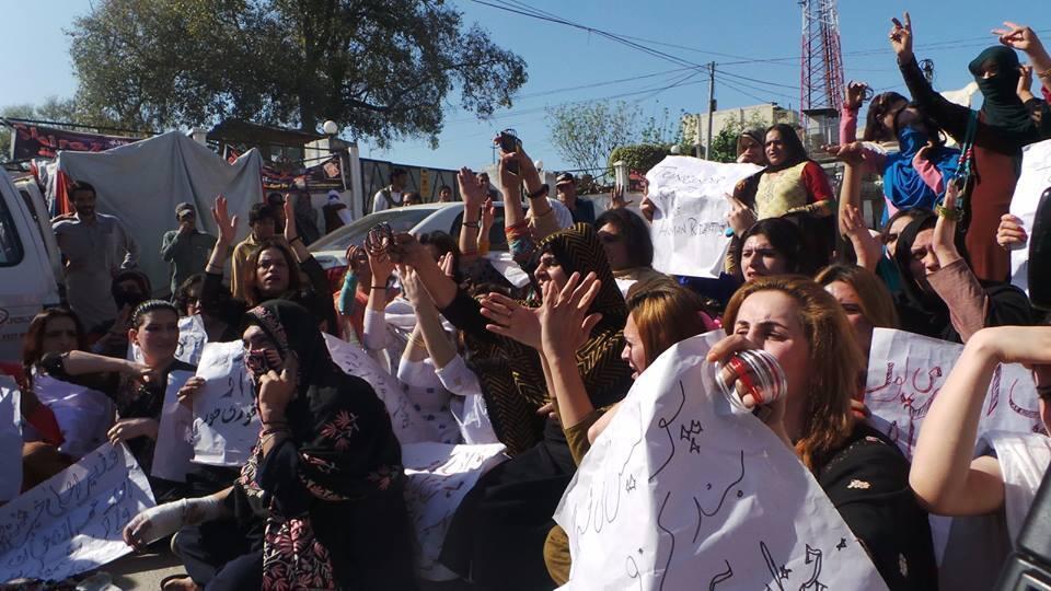 Manifestations à Peshawar suite au meutre d'une activiste transsexuelle. Photo postée sur Facebook mercredi 25 mai.