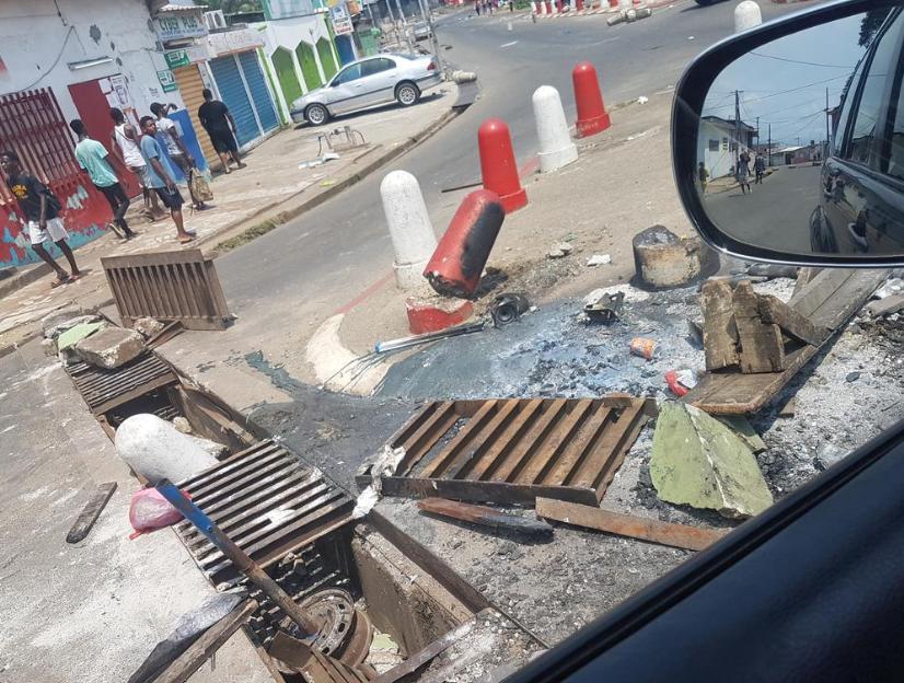 Les dégâts à Libreville après les émeutes du mercredi. Photo envoyée par notre Observatrice.