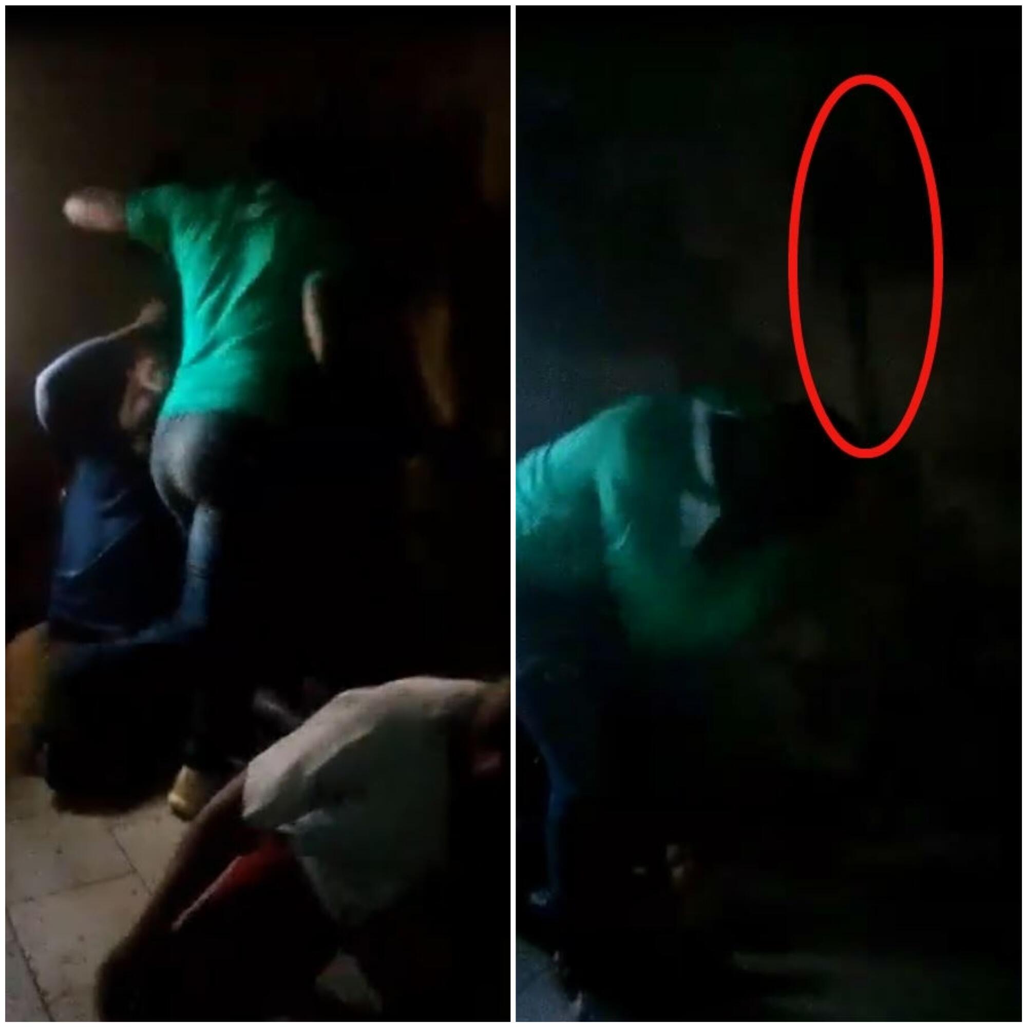 Captures d'écran des vidéos envoyées par notre Observateur. A gauche un homme donne un coup de pied à une personne au sol ; à droite, il frappe les pieds d'un autre avec le plat d'une machette.