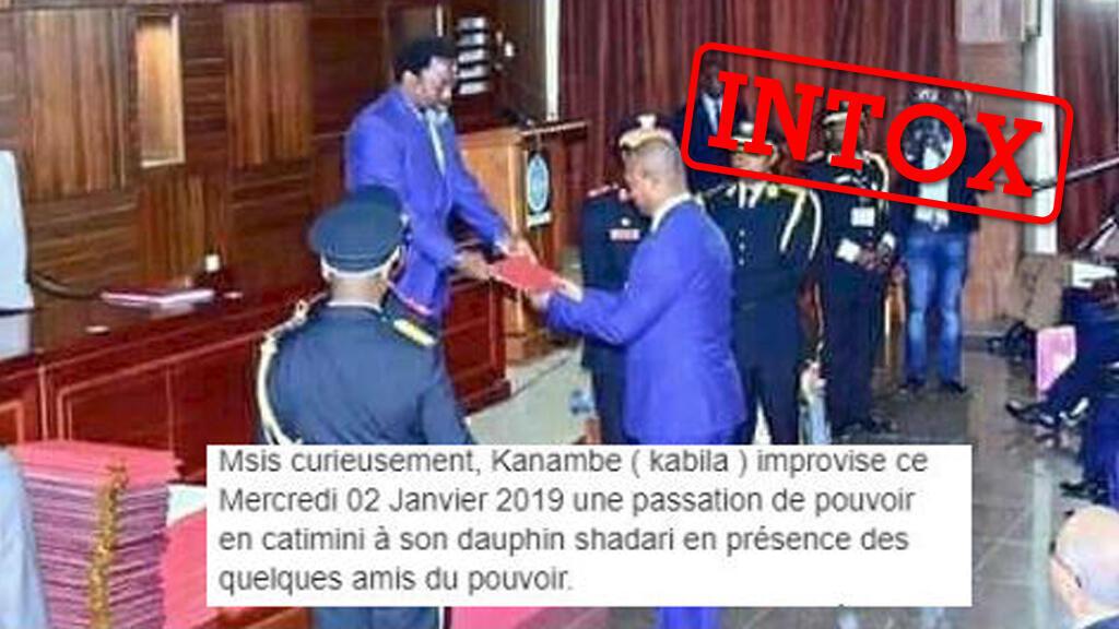 Des publications prétendent montrer une passation de pouvoir entre le président sortant et un candidat quelques jours après l'élection présidentielle du 30 décembre en RDCongo. Cette photo date en fait du mois d'août.