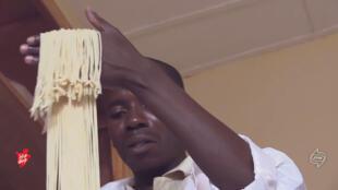 Pascal Hakuziyaremye est un entrepreneur burundais qui fabrique des spaghettis. Pour en savoir plus, voir la vidéo ci-dessous.