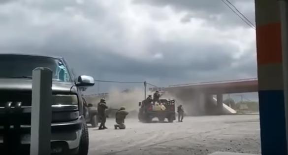 Capture d'écran de la vidéo ci-dessous, tournée le 22 août à Río Bravo, dans l'État de Tamaulipas, dans le nord-est du Mexique.