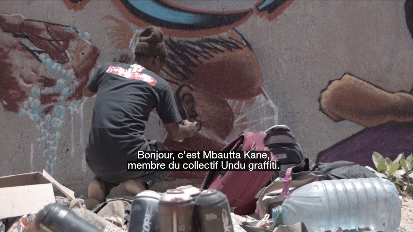 Une fresque installée par le collectif Undu graffiti dans le quartier de Malika à Dakar, au Sénégal.