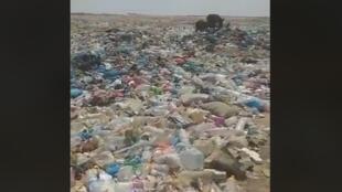 Capture d'écran d'une vidéo montrant la décharge d'El Meghaier, dans le sud-est de l'Algérie.