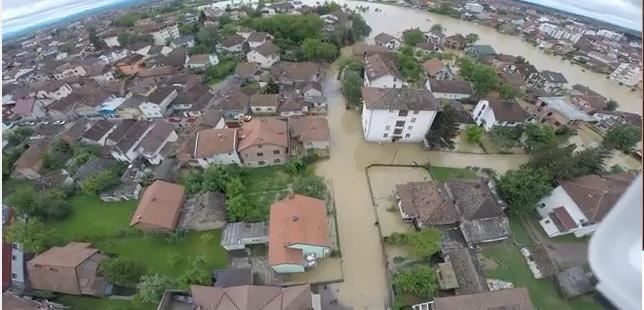 L'état de la ville de Brcko, dans le nord de la Bosnie, le 17 mai. Capture d'écran d'une vidéo (ci-dessous)