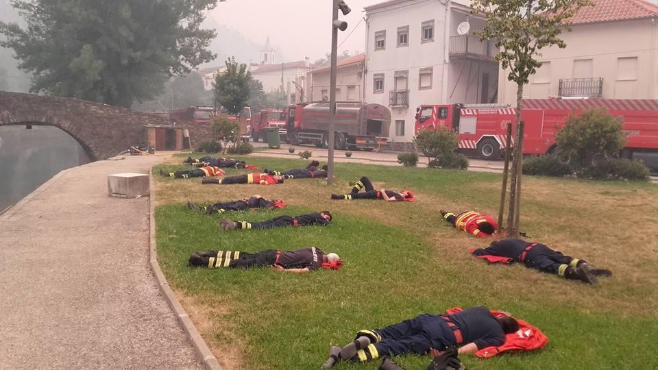 Photo publiée par un pompier, Pedro Brás, sur sa page Facebook.