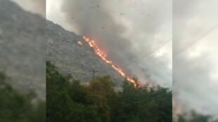 La décharge de Ghazipur en proie aux flammes le 25novembre2020.