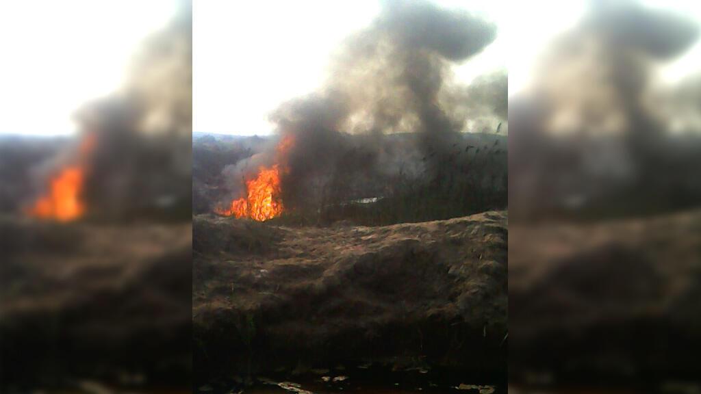 La rivière Luilu le 7 septembre lors d'une explosion causée par le déversement de déchets toxiques. Photo envoyée par notre Observateur.