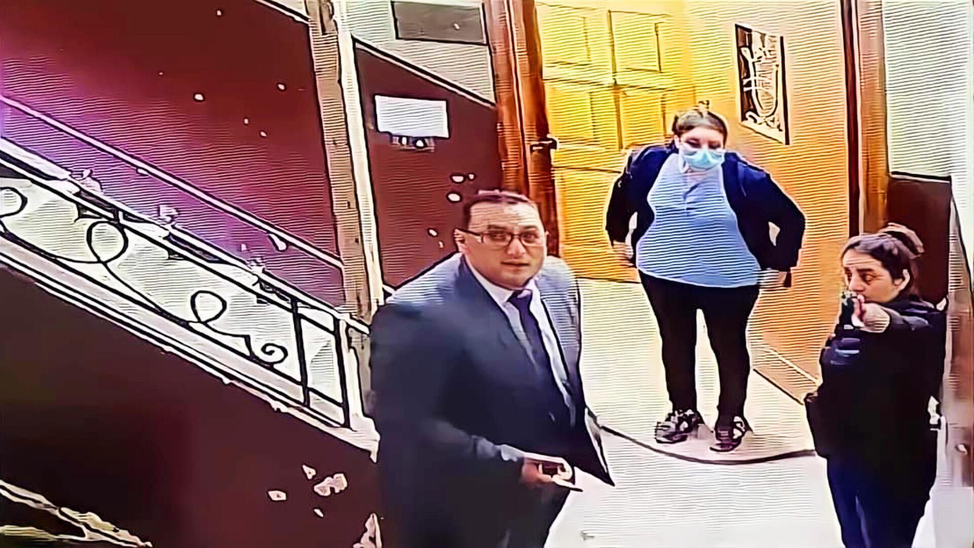 Alertée par la vidéosurveillance, Eugénie Osama s'est précipitée dans le couloir, et a confronté l'agresseur.