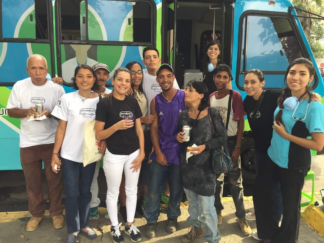 """L'équipe de """"Panabus"""" sillonne Caracas du lundi au vendredi. Crédit : Panabus / Facebook."""
