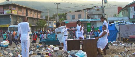 The performance by the Brigade d'intervention théâtrale d'Haïti (the Haiti Theatrical Intervention Brigade), on November 8, 2018. Photo credit: Yves Osner Dorvil