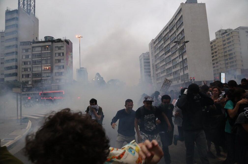 Photo de la manifestation publiée sur Twitter par le Centre des Médias indépendants de São Paulo, @cmi_saopaulo.