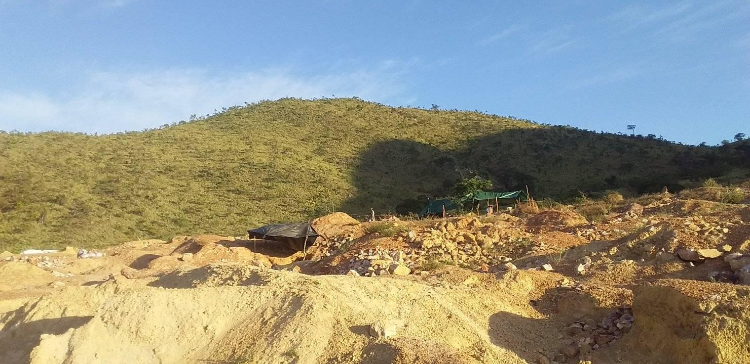 Photo du site d'orpaillage à Raposa Serra do Sol, publiée en janvier sur un groupe Facebook réunissant des orpailleurs brésiliens.
