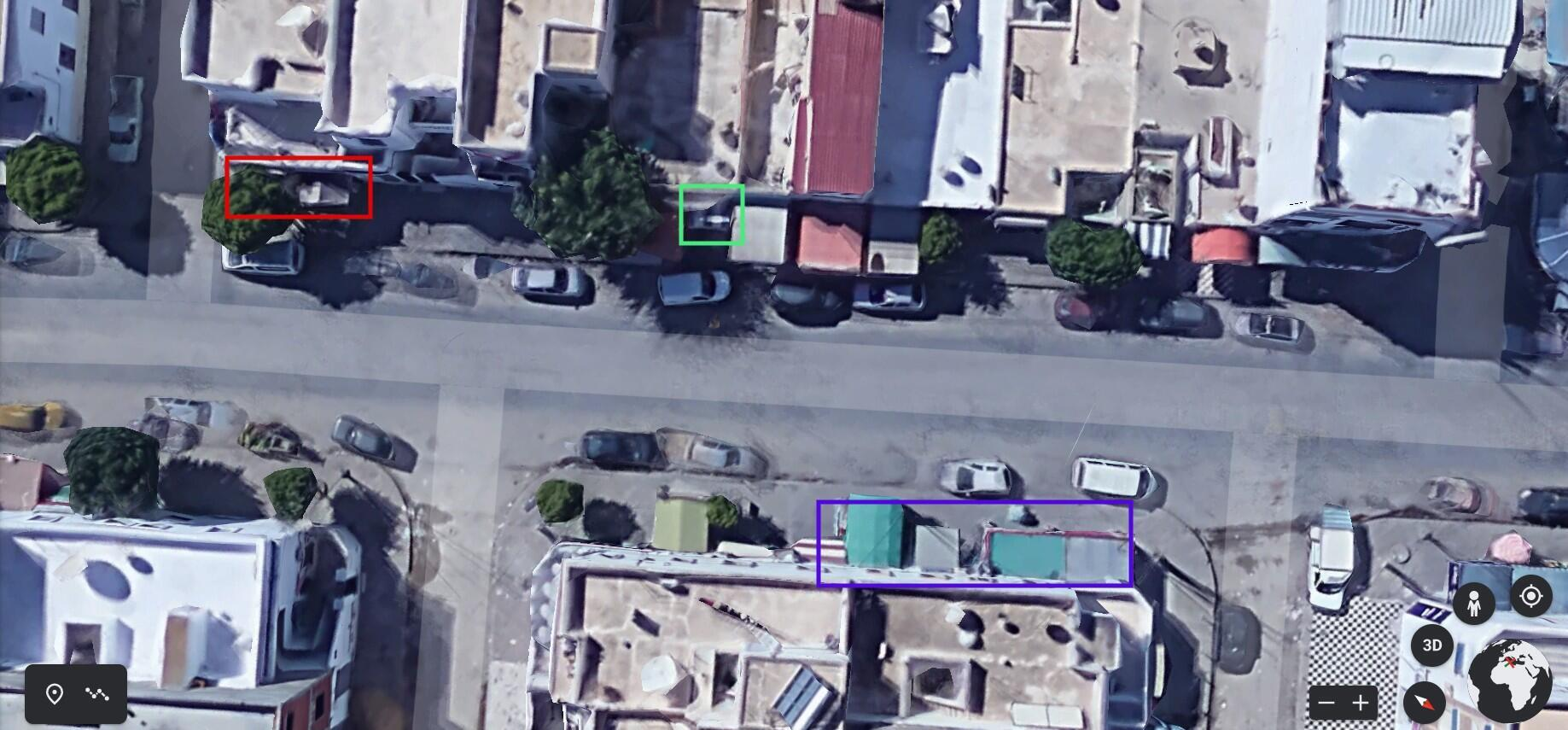 The video corresponds with the satellite image of Yamen Street: a tree and a grey awning (demarcated in red), a blue and white striped awning (shown in green) and two green awnings (marked in purple).